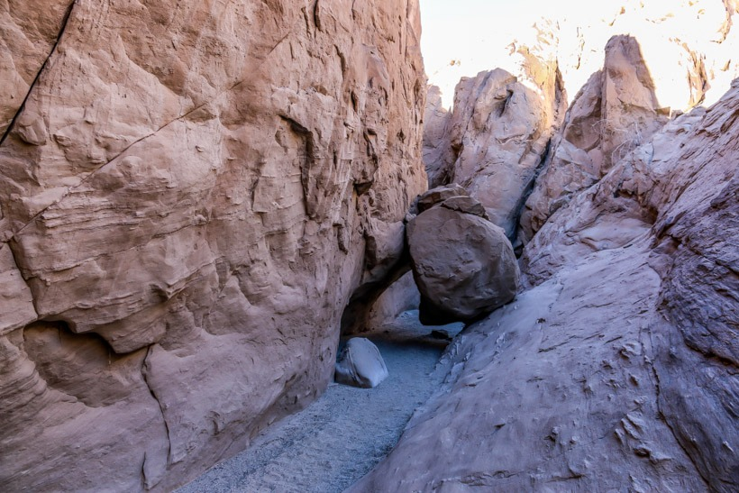 Crouch under the fallen rock-the Narrows