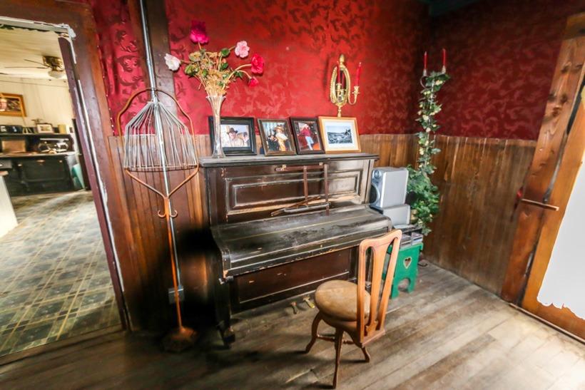 Death Valley-Cerro Gordo Ghost Town Saloon piano
